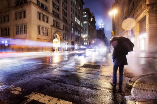 a-foggy-empire-united-states-new-york-city-5th-avenue-20th-st-cold-spring-night_l